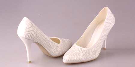 a4d354c285dd Biele topánky - ako si vybrať svadbu alebo každý deň