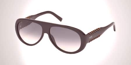0dd85270c988 Univerzálny model ponúka verejnosť Brand Karl Lagerfeld. Príslušenstvo sa  vojde do rôznych štýlov oblečenia