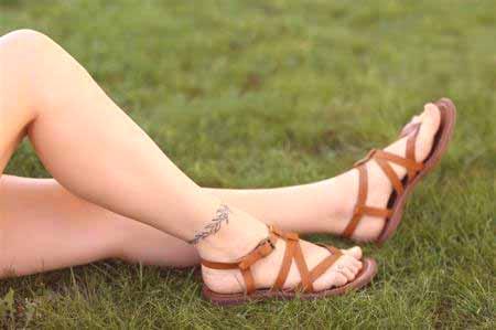 Co Wybrać Tatuaż Dziewczyny Na Jej Nodze Tatuaż Na Nodze I